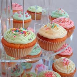 Acrylic Cupcake Stands & Display