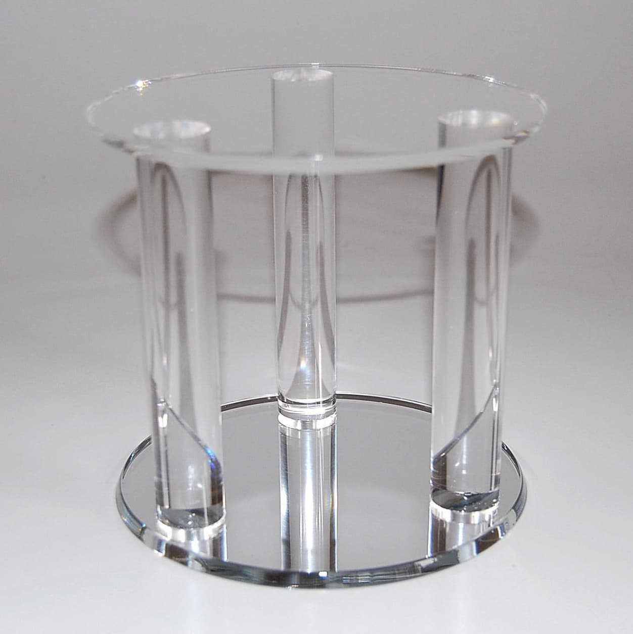Acrylic Wedding Cake Stand With Acrylic Rod Supports