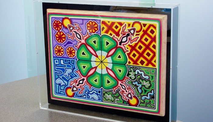 Acrylic Box with Yarn Painting